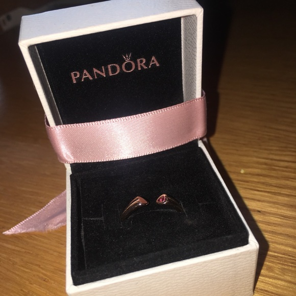 24f5f0eaa ROSE GOLD VALENTINES DAY COLLECTION PANDORA RING. M_5aa97e5b2c705d0325473a7a